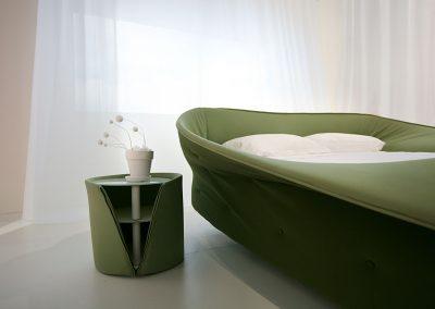 comodino-colletto-e-letto-colletto